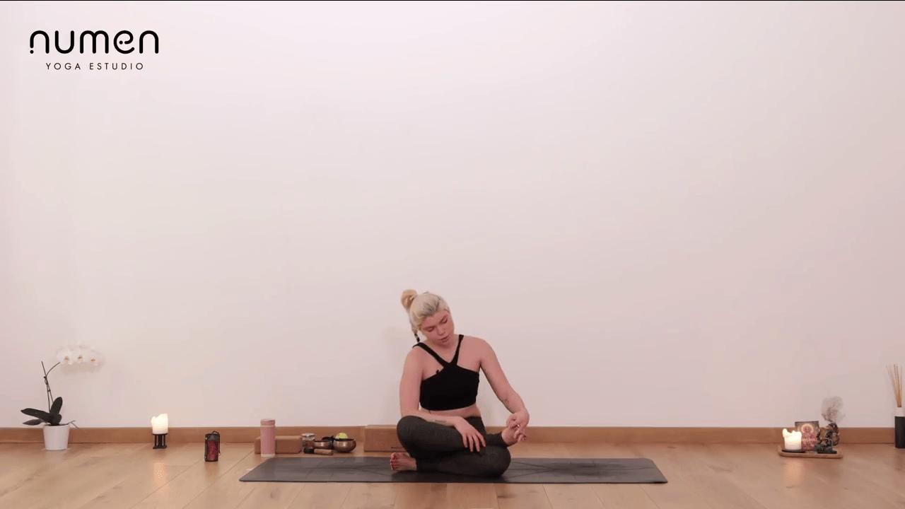Automasaje para entrar en shavasana o meditar