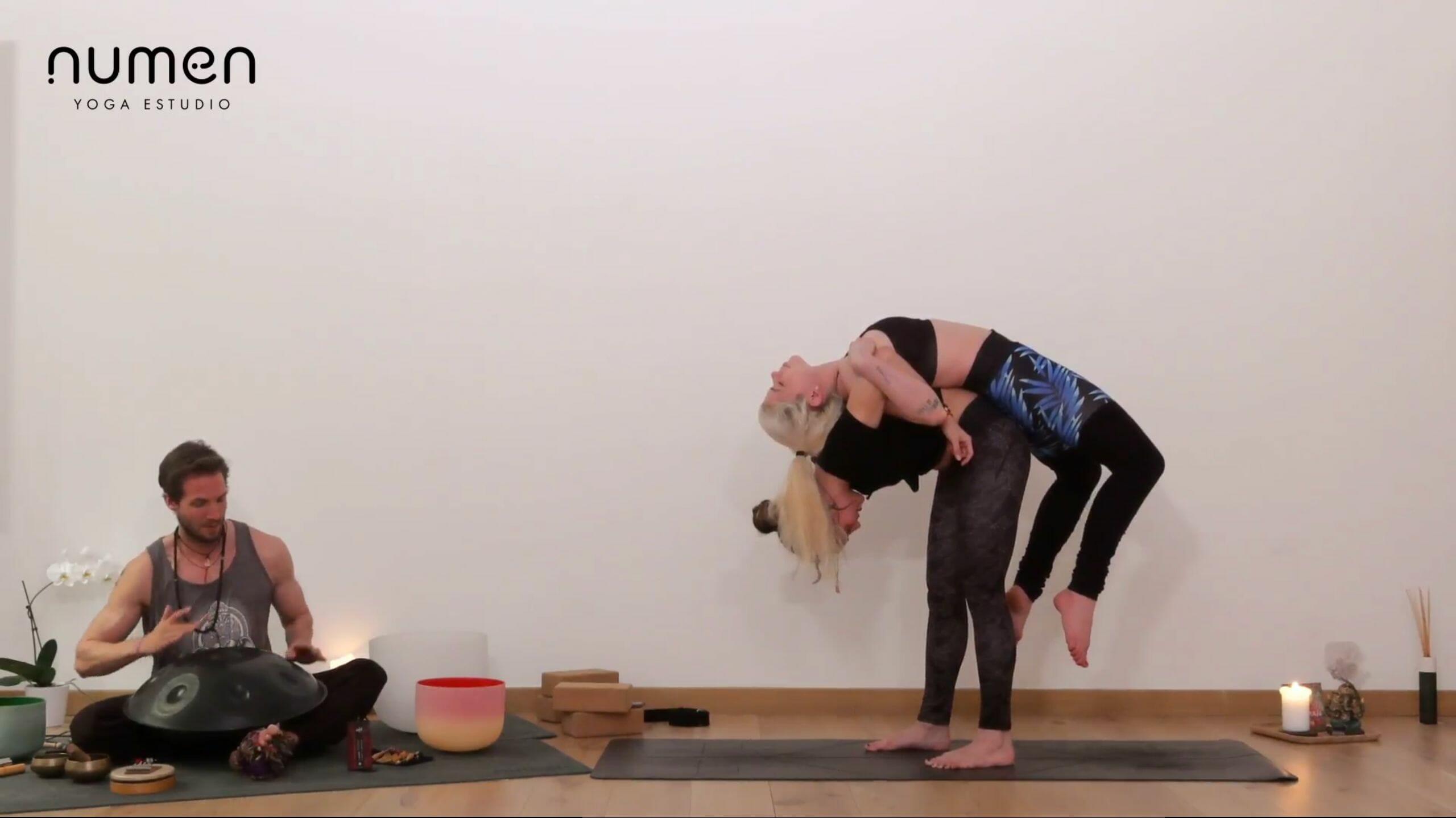 Yoga en pareja: intermedio